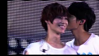 [MUST WATCH] minho kissed on taemin
