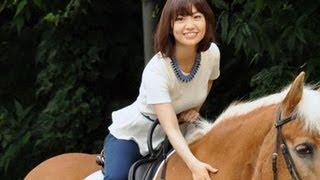 アニメーション映画『メリダとおそろしの森』のイベントが、6月13日に東京乗馬倶楽部で行われ、来日中のマーク・アンドリュース監督とプロデューサーのキャサリン・サ ...