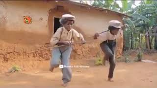 funny-dance-on-marathi-song-you-must-die-when-you-watch-this