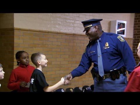 """11-year-old throws """"Thank You"""" party for police"""