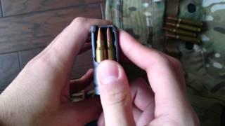 【4K】 マガジンに5.56mm弾を込めるだけの動画