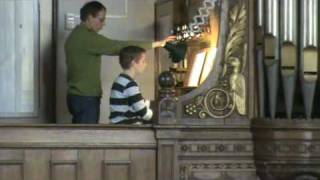 Toccata and Fugue played by Gert on church organ.