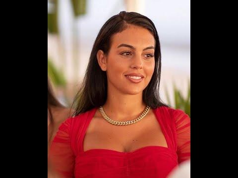 Georgina Rodriguez Biography, Wiki, Height, Age Boyfriend More