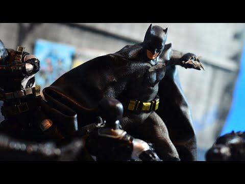Mezco 1:12 Collective Batman V Superman: Dawn Of Justice Batman Review