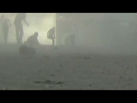 Dramatic video of Gaza market attack