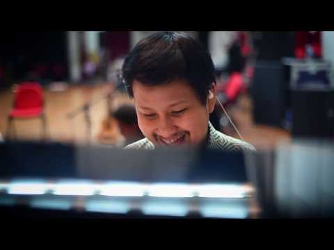 Payung Teduh - Angin Pujaan Hujan (Official Behind the Scene Live and Loud)