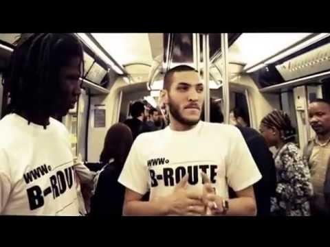 Un rappeur lâche un freestyle de fou dans le métro