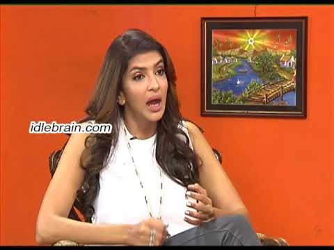 Manchu Lakshmi vs Manjula Ghattamaneni interview - Manasuku Nachindi - idlebrain.com