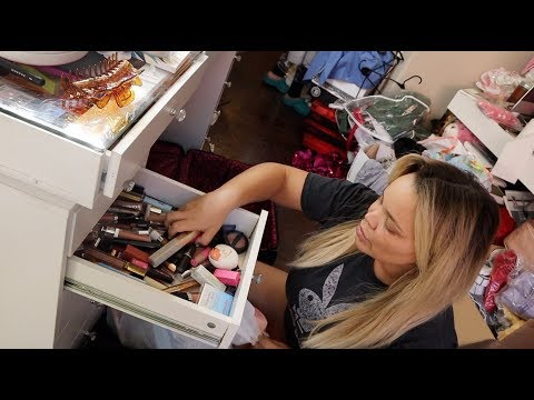 cleaning out my MAKEUP COLLECTION after 4 years! thumbnail