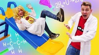 Веселое видео про опыты по физике. У Блондинки падают учебники. Сила трения??