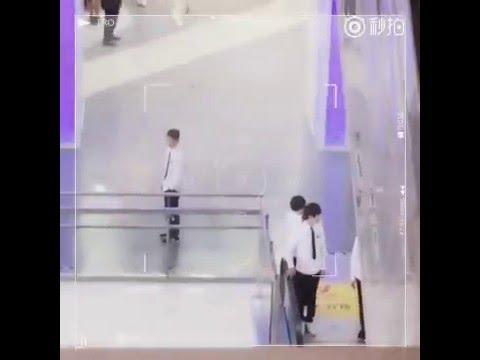 """[WBJR][Fancam][Thiên Nguyên]: Lại """"hẹn hò"""" ở trường quay rồi"""