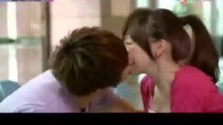 vuclip Momo Love Kiss Scenes~ 桃花小妹所有的吻戏