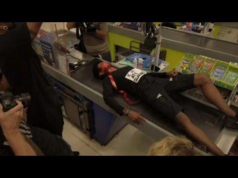 Brasile: l'uccisione di un uomo di colore in un supermercato scatena le proteste