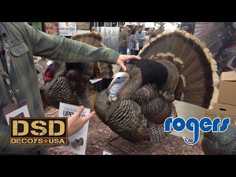 Dave Smith Strutting Turkey Decoys