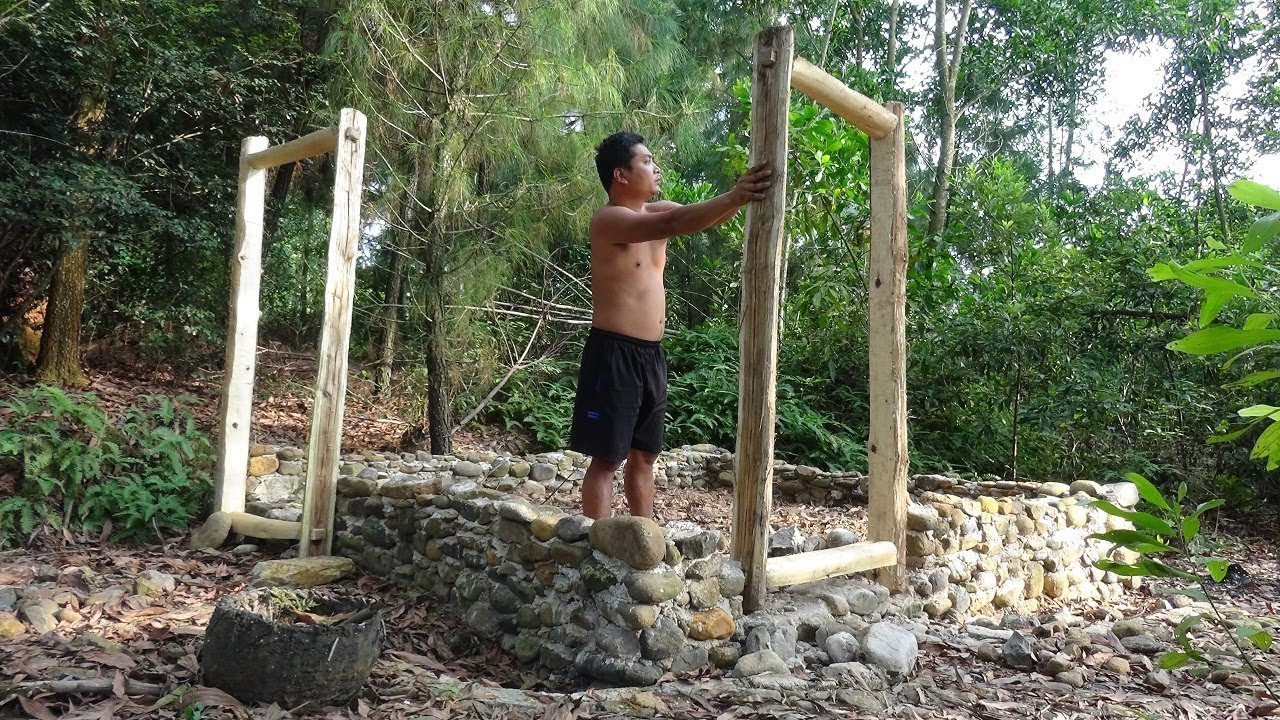 Primitive Life:Make the Door-Carpentry-Build a new house-p2