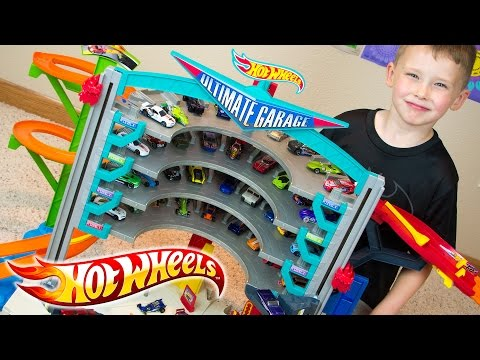Hot Wheels Ultimate Garage & Team Hot Wheels Toy Cars