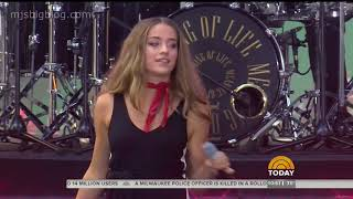 The Voice Brynn Cartelli performs Walk My Way Today