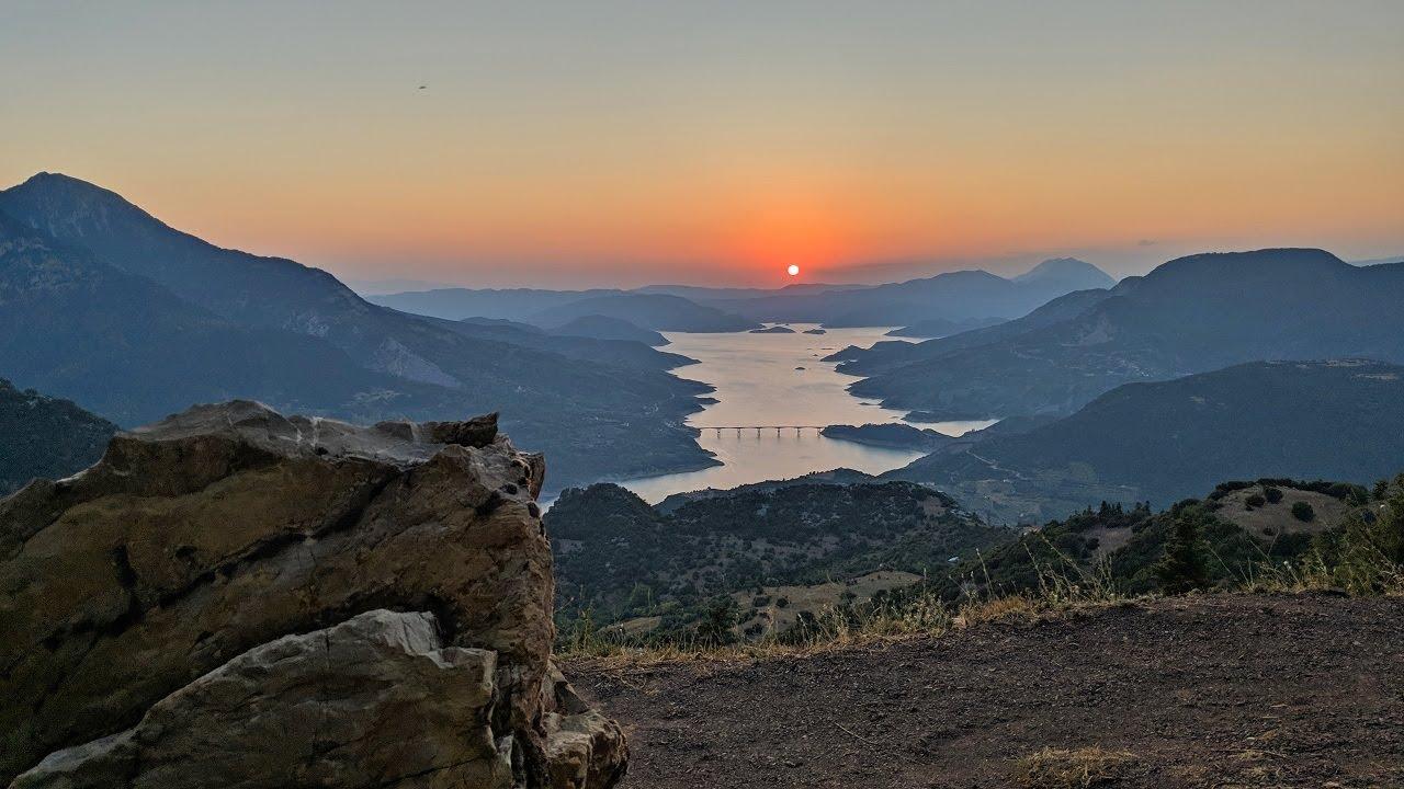 Ηλιοβασίλεμα με φόντο τη Λίμνη Κρεμαστών | Θέση Τσαγκαράλωνα, Φιδάκια  Ευρυτανίας (Αύγουστος 2019) - YouTube