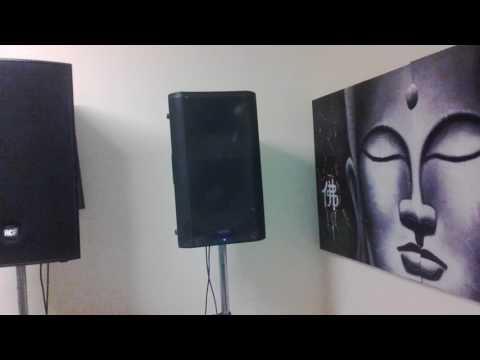qsc k12 vs rcf 4pro 3031 test - Видео с YouTube на компьютер