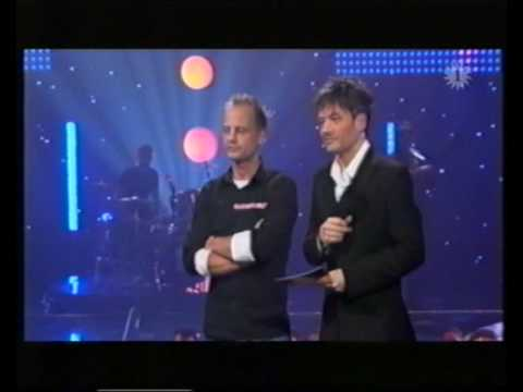 Dana winner sings simon & garfunkel