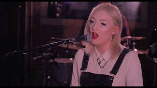 Caroline & the Lights - It Meant Nothing   Live Session