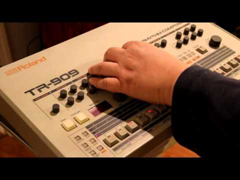 Alesis 3630 French style pumping (please listen in stereo)