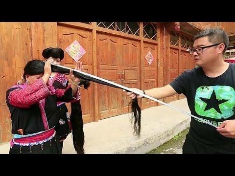 У всех жительниц китайской деревушки Хуан Ло необычайно длинные волосы.