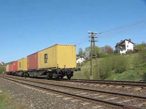 ST44-1074 z kontenerami