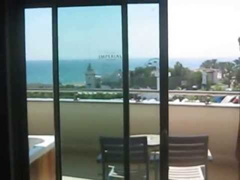 Delphin imperial antalya suite room with jacuzzi on for Balcony translate