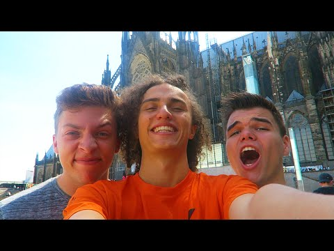 THE GERMANY GAMESCOM 2015 ADVENTURE! - Vlog #6