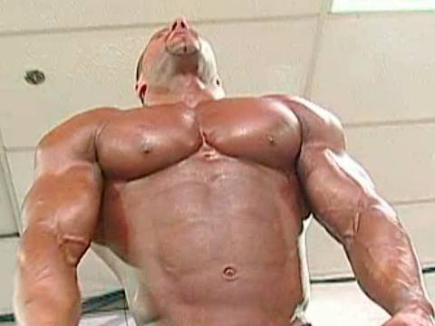 2002 NPC Junior Nationals Men's Bodybuilding Championships Pump Room 2