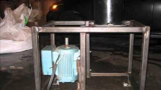 Repeat youtube video PROJET: Presse à granules / pellets press (Ma presse à granules)