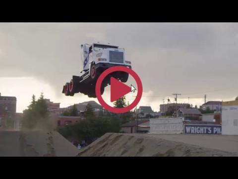 Перевозка грузов или чем занимаются водители грузовиков в свободное  время.