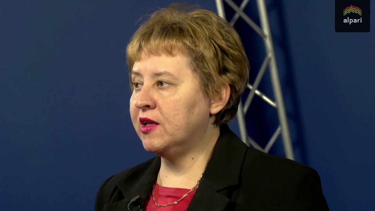 Минфин не исключает девальвации рубля на 10%
