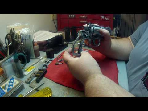 Smith & Wesson 686 Level 2 Trigger and action Job Part 1 (the brake down)