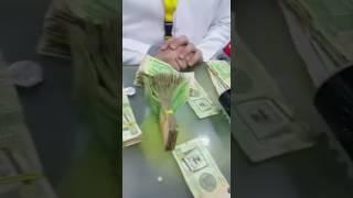 – بالفيديو.. مواطن يكشف دخل المتسولين عند الإشارات