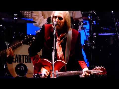 Tom Petty- I Won't Back Down live Hollywood Bowl 09.25