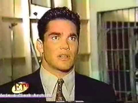Download Dean Cain Intervew on ET about Lois and Clark