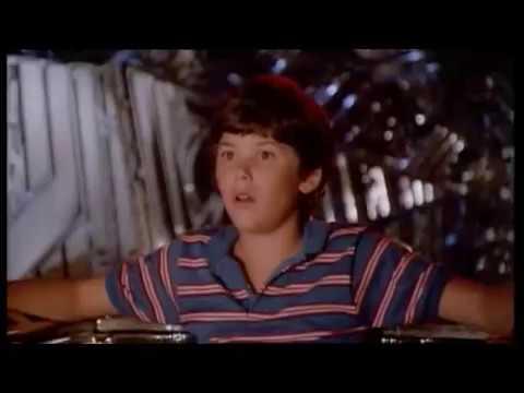 Flight of the Navigator Music Video - Main Theme / Robot Romp (Alan Silvestri)