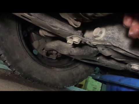 Замена масла и маслянного фильтраToyota Corolla 2014 г.в.