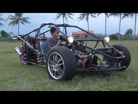 T-Rex Three Wheeled Motorcycle Test Drive Zoom In - Replica Indonesia