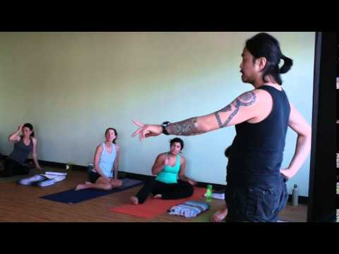 Mike Matsumura - Pranava Yoga Center Teacher Training - Headstand How to PART 2