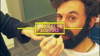 Buray Kılık Değiştirip Metroda Şarkı Söylerse! Video