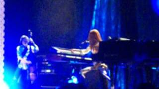 "Tori Amos, ""Lady In Blue"", in Chicago - Aug. 3, 2009"