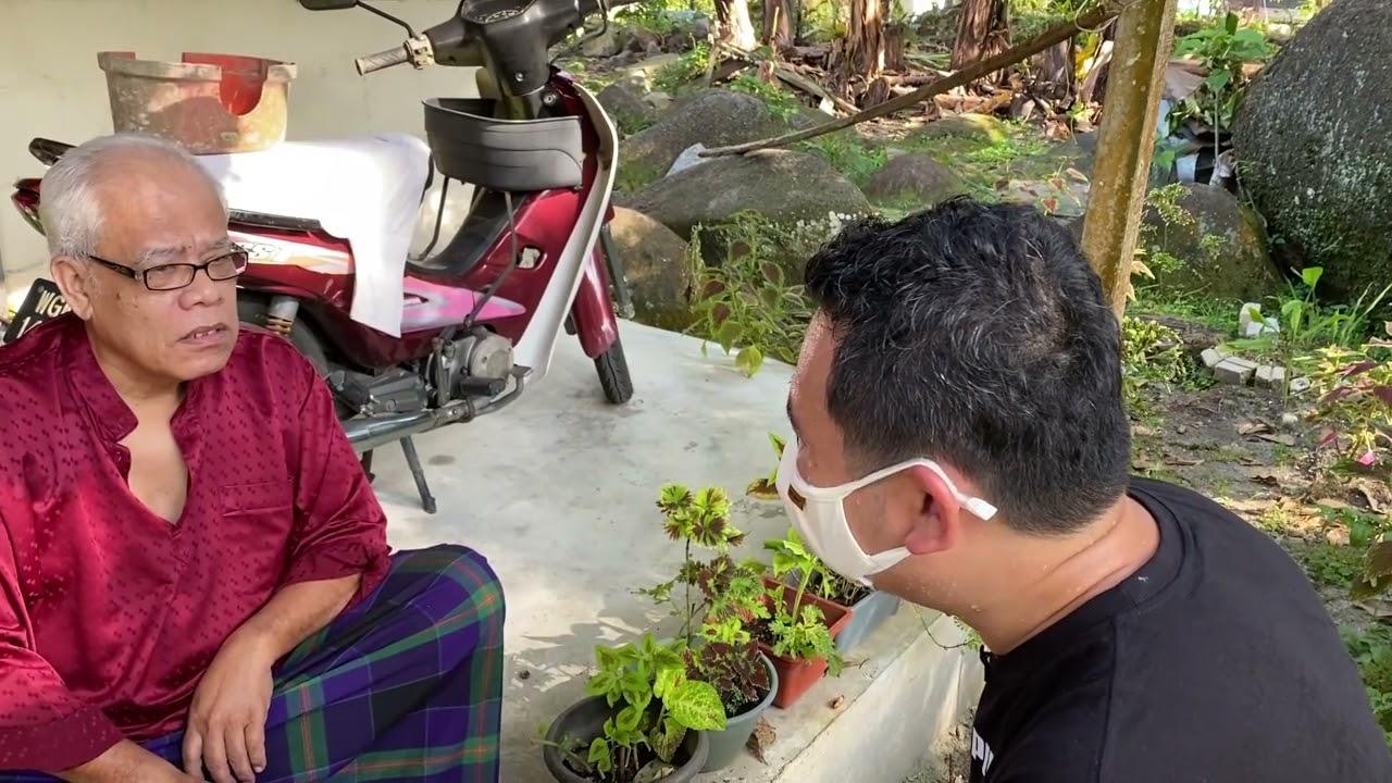 Download Pasukan Khidmat DAPKeranji mengedarkan beg makanan di Kampung Air Terjun sempena Hari Raya Aidiladha