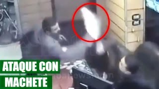 Hombre Ataca con Machete en Cabina de Internet || VÍDEO VIRAL 2016