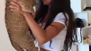 Faunny Baby Lion Pissing on Pretty Girl
