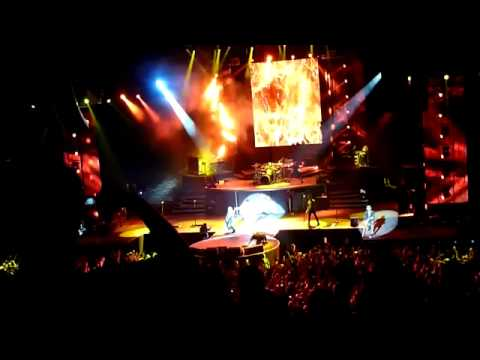 Axl Rose walks off the stage in Dublin