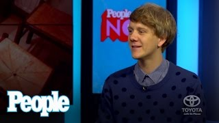Comedian Josh Thomas Dishes on Kissing Models at New York Fashion Week!