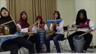 Yamko Rambe Yamko Perpaduan Alat Musik Tiup Perkusi dan Cup Song